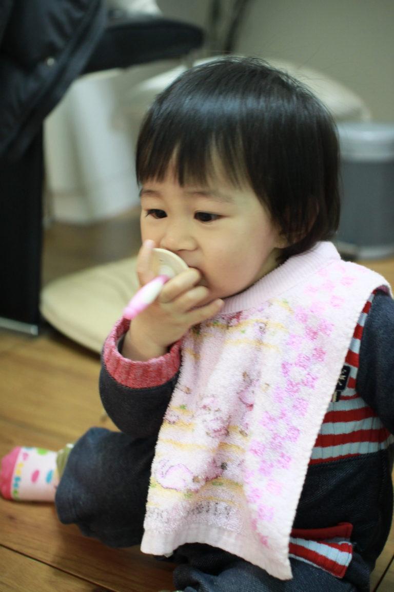 誰在小幸福面前抽菸的?