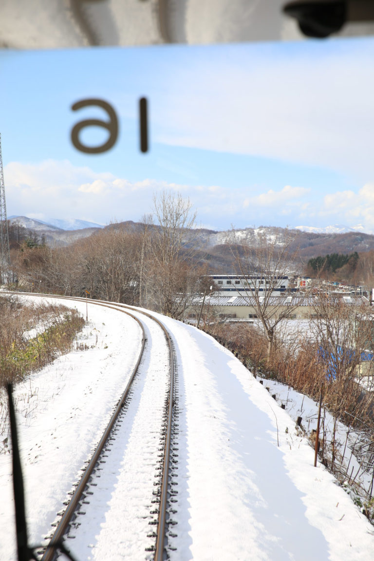 這是條單向地區鐵路,所以一個小時才有一班車